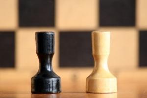 sakktábla 2 bábúval