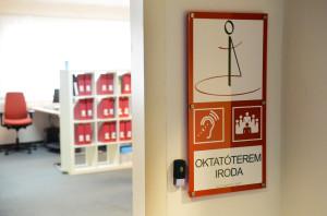 Az ETIKK iroda bejárata