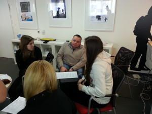 Katolikus Gimnázium és az ETIKK tesztcsoportja együtt dolgoznak és ötletelnek