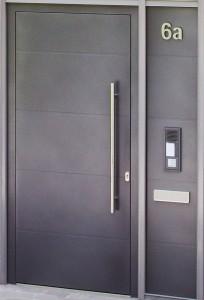 Többgenerációs ajtó