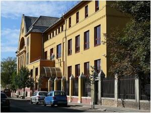 SOTE Egészségügyi Főiskola és nyelvvizsga központ