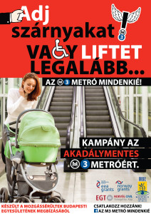 M3 metró lépcső előtt egy babakocsis anya